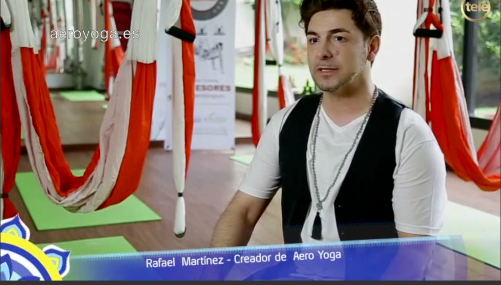 PRENSA Y TELEVISION, AERO YOGA INTERNATIONAL, PILATES AEREO, AIR YOGA, TENDENCIAS FITNESS, TENDENCIAS YOGA,PILATES, COLUMPIO