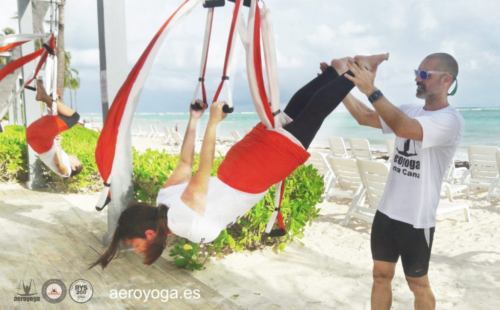 CURSOS YOGA AEREO, AIR YOGA, FLY, FLYING, TRAPECIO, TRAPEZE, WORK, TRAINING, SILK,S TELAS,