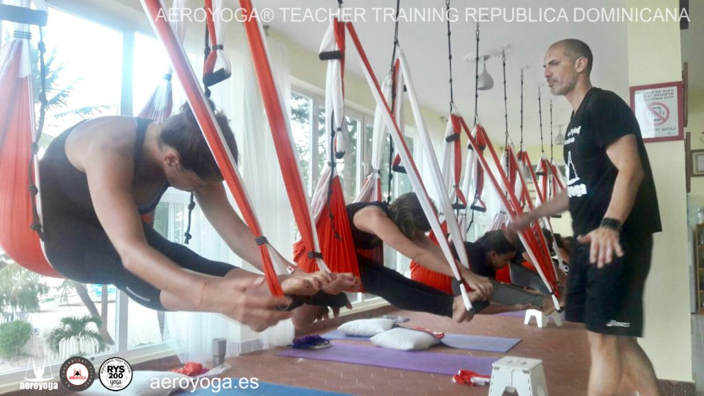 formacion curso aero yoga, aero , pilates, fly, flying, air yoga, columpio, fitness, aerofitness
